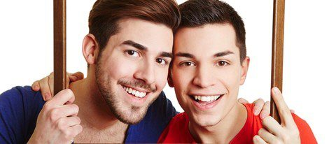 Joven pareja gay