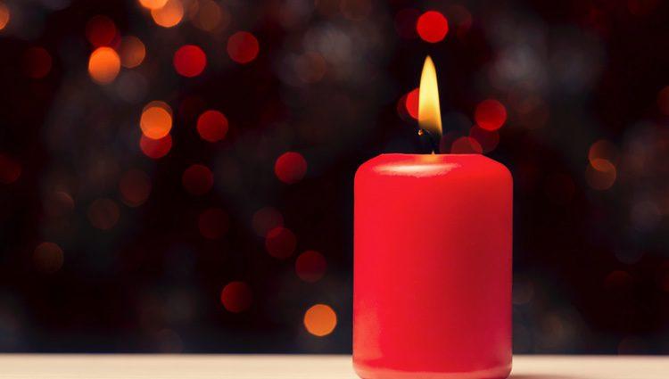 Las velas rojas son ideales para aquellas personas que desean encontrar la pasión con alguien que acaban de conoce