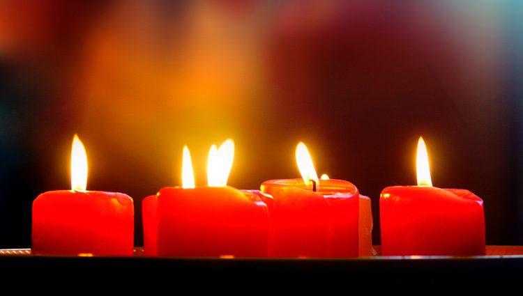 Para atraer el dinero podemos realizar rituales con velas rojas, pero estas velas no nos ayudarán más que a tener más dinero en mano