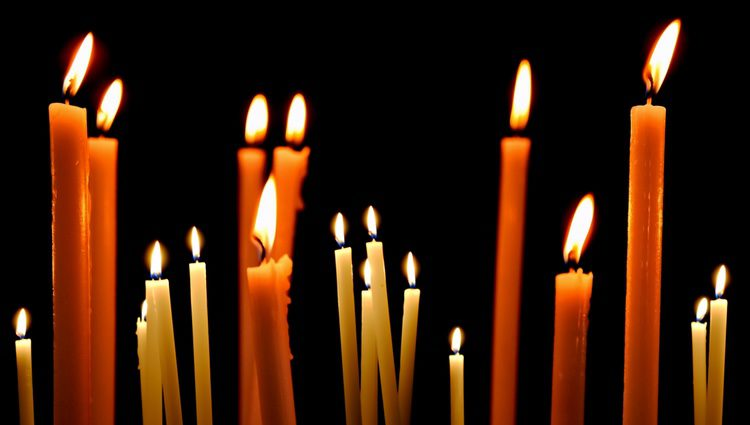 Las velas naranjas son las más adecuadas cuando queremos empezar un nuevo ciclo