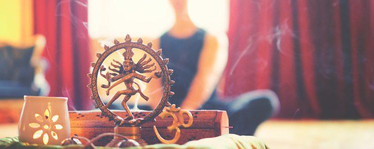 Siempre que purifiques tu hogar deberás tener la mente en blanco y ser positivo para atraer buenas energías