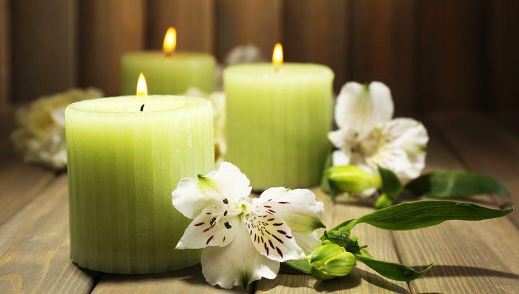 Un ritual muy habitual suele ser con velas verdes