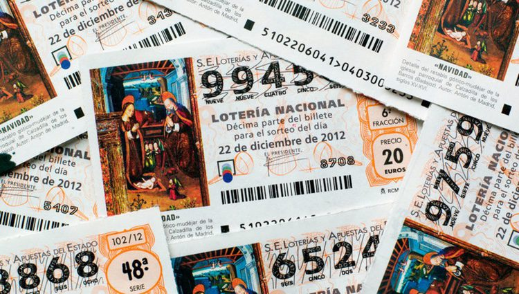 Una de las maneras de atraer la suerte es llevar el boleto siempre en la cartera